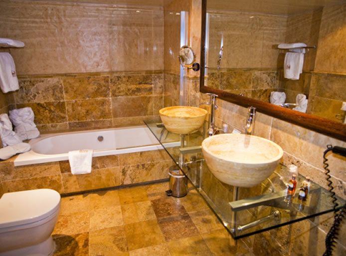 HOTEL Y RESTAURANTE CASA IRENE | Arties | Val d\'Aran | Pirineos | Spain
